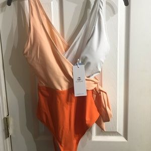 NWT Cupshe swimsuit!